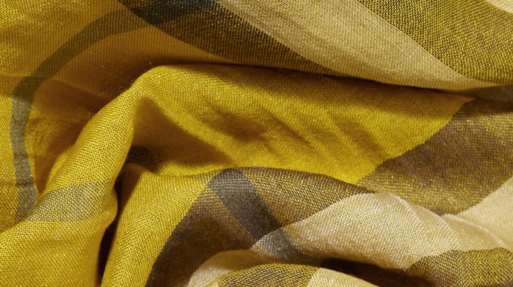 checked-burberry-scarf4